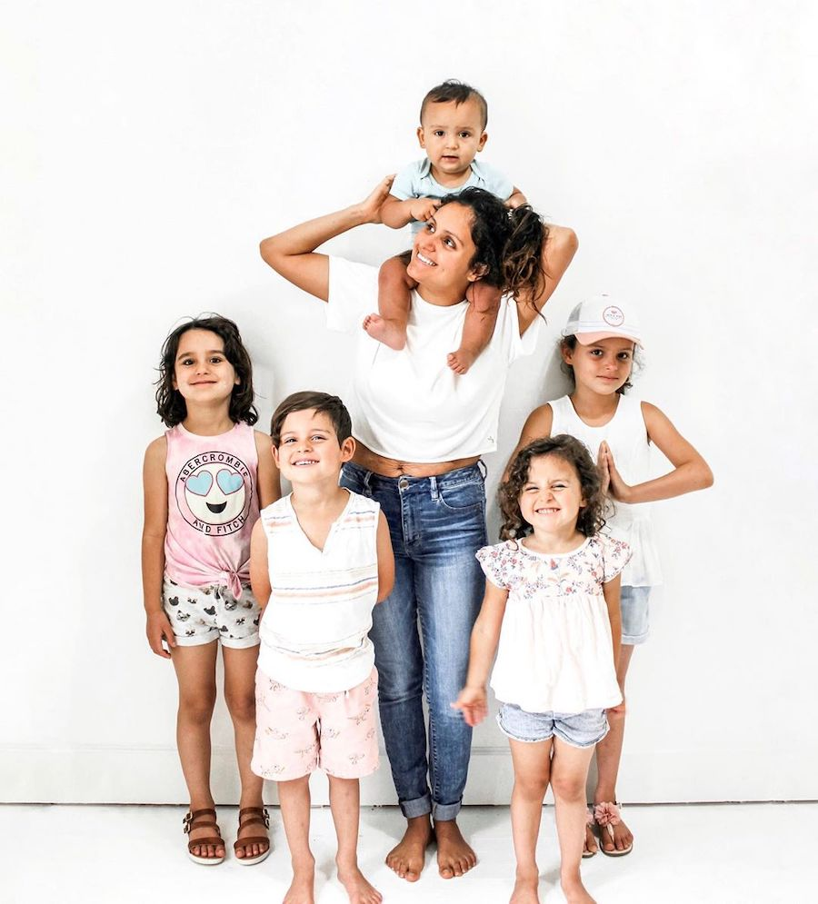 mother and five kids