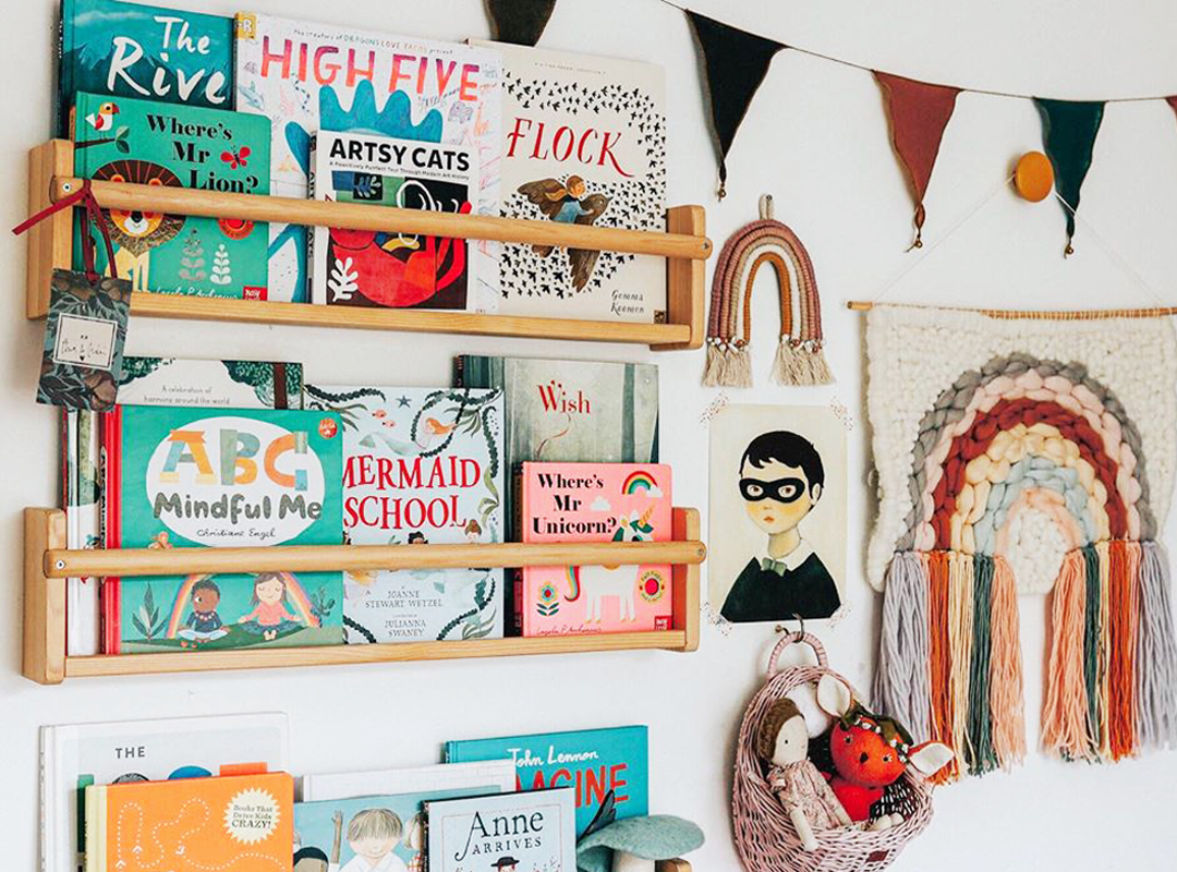 How to Style a Bookshelf in Your Kids' Room | The Everymom