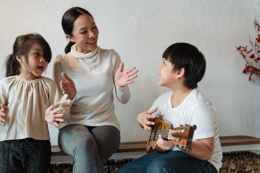 kids playing music